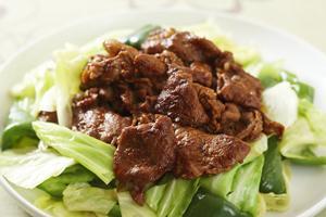ゆで野菜たっぷりの回鍋肉